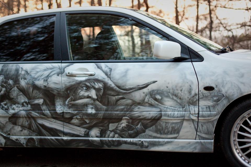 Печать на виниловой пленке автомобиль, пират